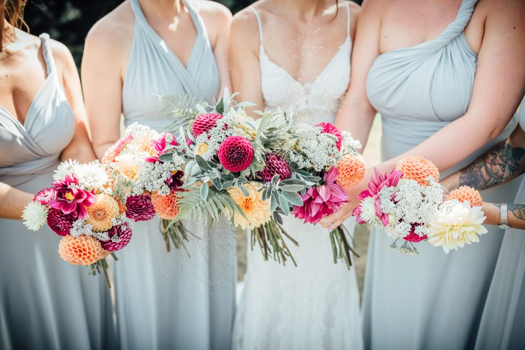kara-and-bridesmaids-close-up-bouquets